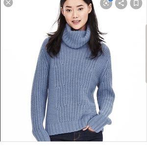 Banana Republic blue turtleneck sweater medium